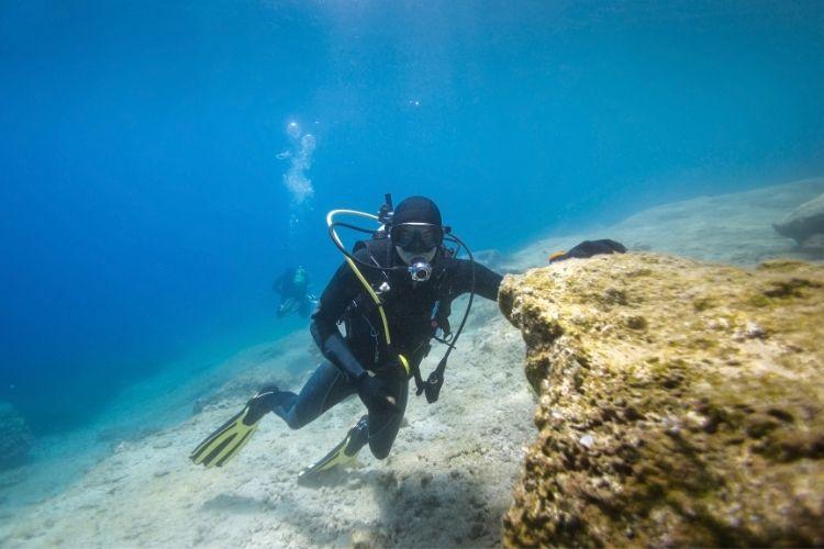 diving in Greece