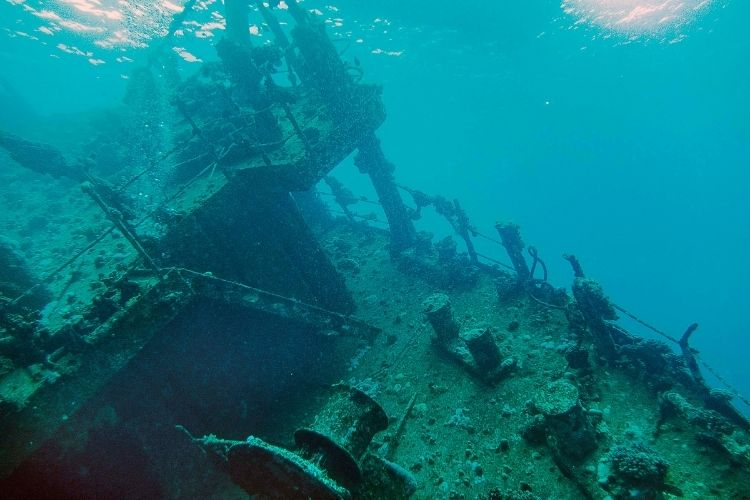 Abu Nuhas 4 Wrecks