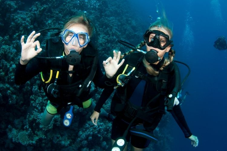 Diving in the 7 Brothers Archipelago